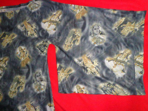 4. Снимка на Уникална блуза с интересен мотив