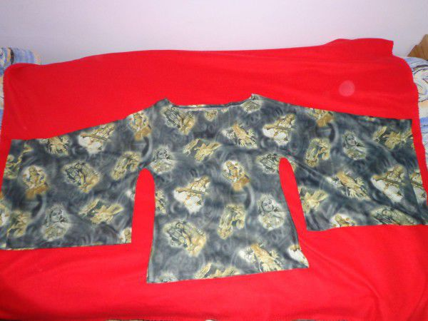 3. Снимка на Уникална блуза с интересен мотив