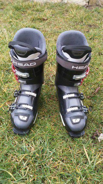 Продавам ски обувки номер 45 HEAD Adapt Edge 90 2012