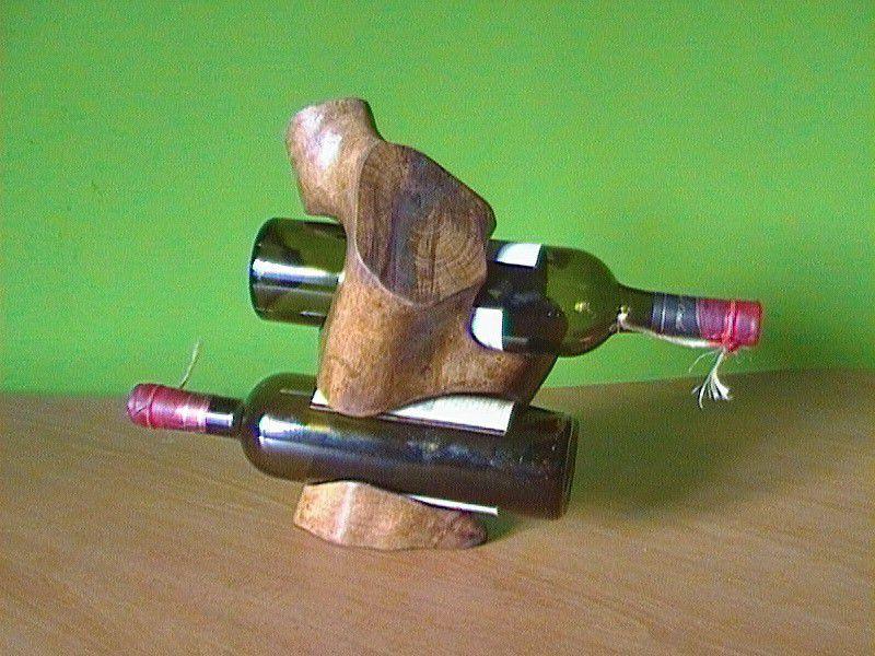 3. Снимка на скулптора - малка пластика