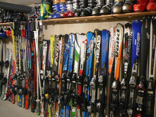 ПРОДАВАМ карвинг ски с автомати, обувки, щеки, каски