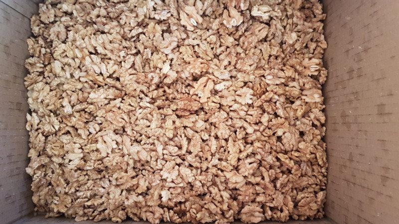 2. Снимка на Купувам орехова ядка и орехи на черупка