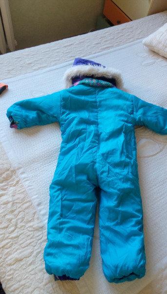 4. Снимка на Детски Гащиризон, зимна грейка - космонавт за ски